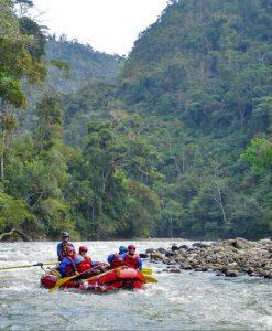 p-5847-tambopata_rafting_1.jpg