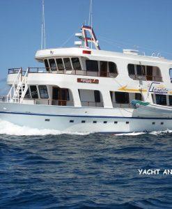 p-7536-yacht_angelito_navegando.jpg