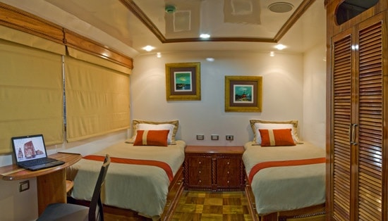 Odyssey Twin Cabin