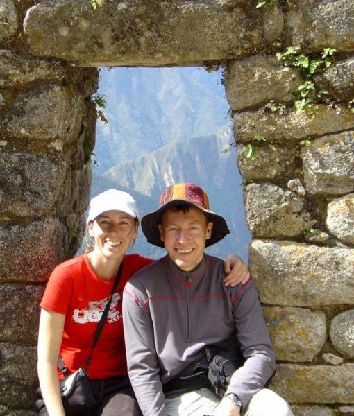 p-5745-happy_couple_on_inca_trail-800.jpg