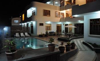 villa-laguna-hotel